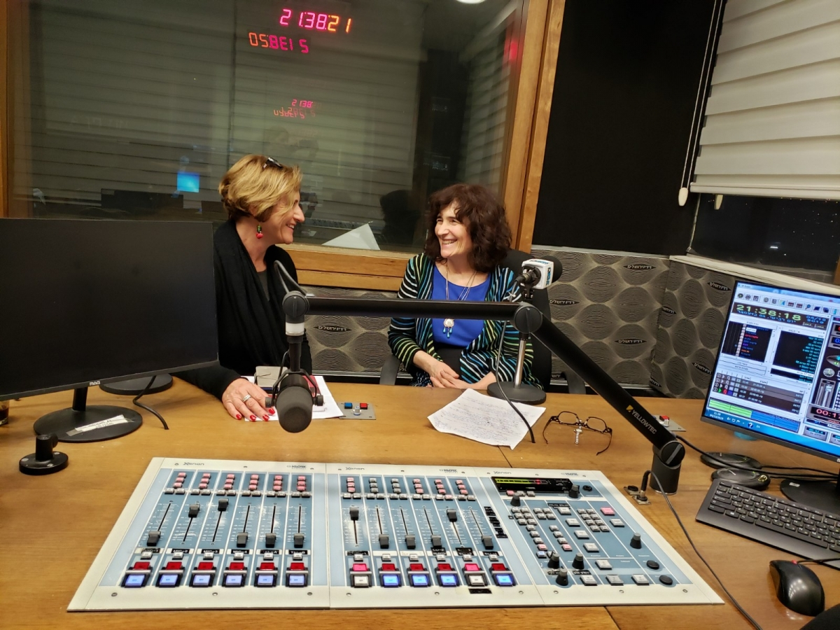 Me-and-Leah-Shaklar-2-best-Radio-Jerusalem-interview-Dec-4-2019